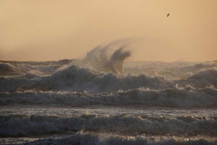 storm golven Noordzee