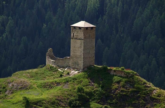 Steinberg bij Ardez, vesting, bergen, Graubünden, Zwitserland